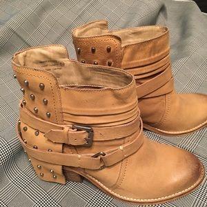 Naughty Monkey Boots 7.5
